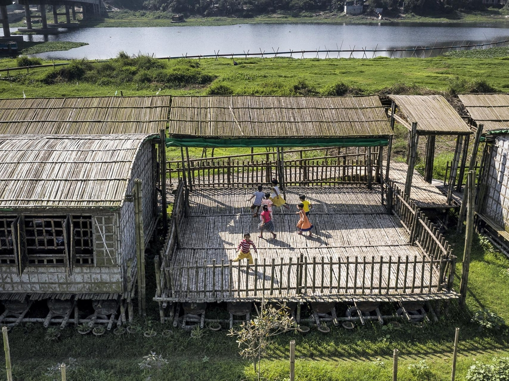 The open-air platform where children can play.