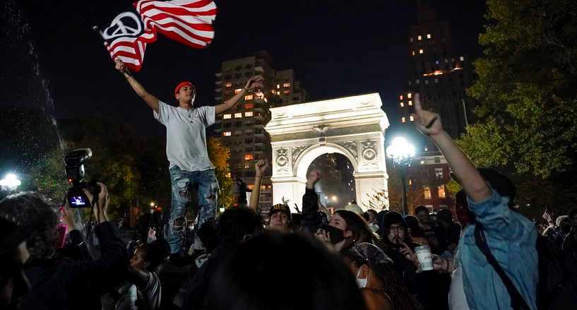 داعمون لبايدن في نيويورك يحتفلون بفوزه مسبقا بالانتخابات الرئاسية